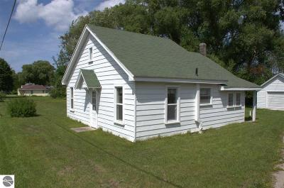 Traverse City MI Single Family Home For Sale: $315,000