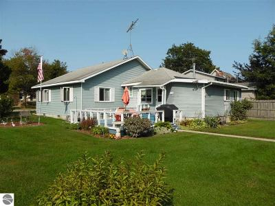 East Tawas MI Single Family Home For Sale: $95,000