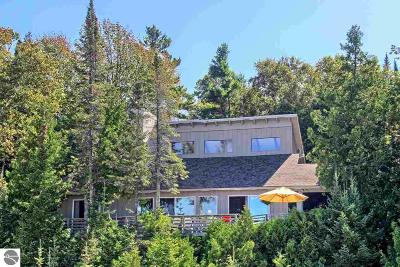 Leelanau County Single Family Home For Sale: 13431 Gardner Road