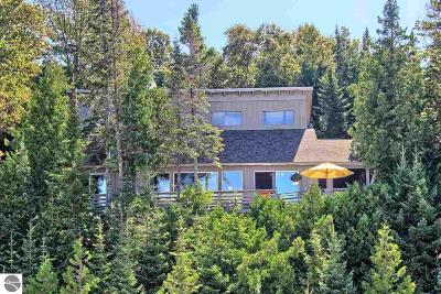 Leelanau County Single Family Home For Sale: 13431 (200') Gardner Road