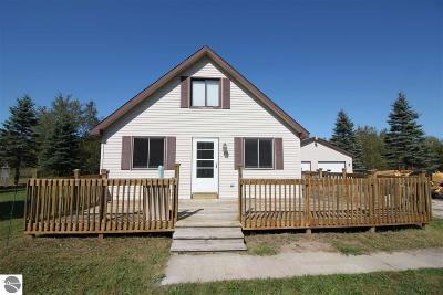 Leelanau County Single Family Home For Sale: 79 E Dusty Lane