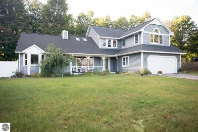 Leelanau County Single Family Home For Sale: 9766 E Valley Hills Drive