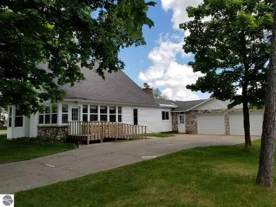 Antrim County Single Family Home For Sale: 9015 E Limits Street