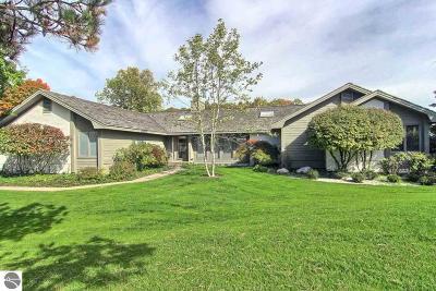 Grand Traverse County Single Family Home For Sale: 5255 Arrowhead Circle #13