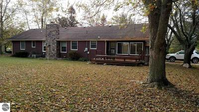 Arenac County Single Family Home For Sale: 601 Cherry Street