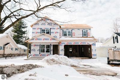 Traverse City Single Family Home For Sale: 231 Monroe Street
