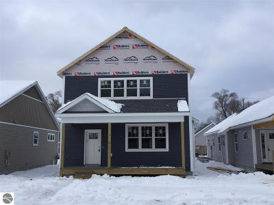 Grand Traverse County Single Family Home For Sale: 344 W Thirteenth Street