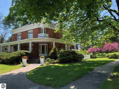 West Branch Single Family Home For Sale: 304 Sidney Street