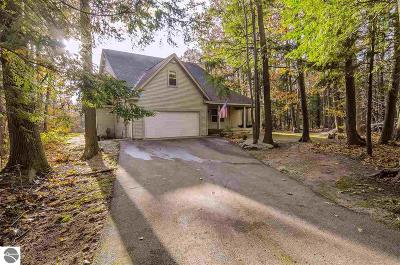 Elk Rapids Single Family Home For Sale: 8202 Partridge Woods