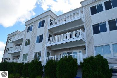 Grand Traverse County Condo For Sale: 5221 N Us-31 N