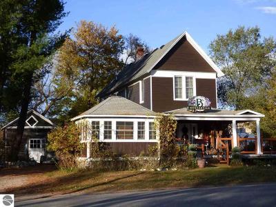Antrim County Single Family Home For Sale: 106 W Cayuga Street