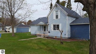 East Tawas Single Family Home For Sale: 601 Main Street