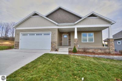Grand Traverse County Single Family Home For Sale: 4148 Windward Way