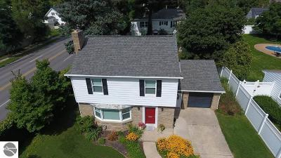 Grand Traverse County Single Family Home For Sale: 628 Sixth Street #28