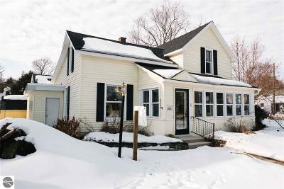 Grand Traverse County Single Family Home For Sale: 235 Monroe Street