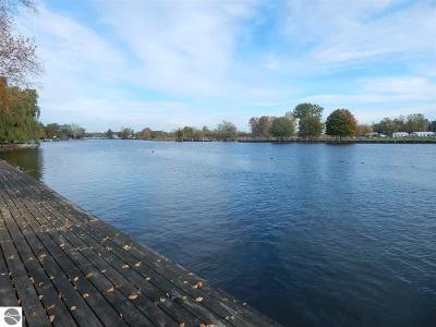 Oscoda Single Family Home For Sale: 615 Harbor