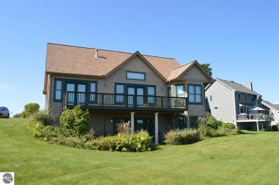Grand Traverse County Single Family Home For Sale: 4185 Wolverine Drive