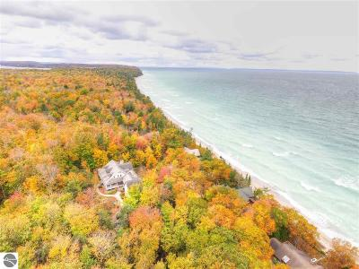 Leelanau County Single Family Home New: 5810 N Birchwood Drive