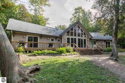 Leelanau County Single Family Home For Sale: 3710 W Glenway Lane