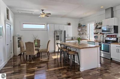 Leelanau County Single Family Home For Sale: 9591 S Cedar Road