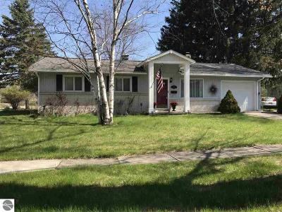 Oscoda Single Family Home For Sale: 314 Ottawa