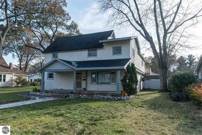 Traverse City Single Family Home For Sale: 834 E State Street