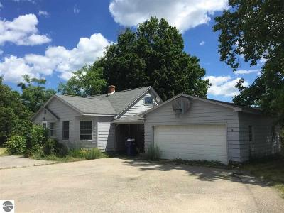Traverse City Single Family Home For Sale: 2452 Garfield Road, N
