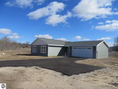 Traverse City Single Family Home For Sale: 4577 Quail Court