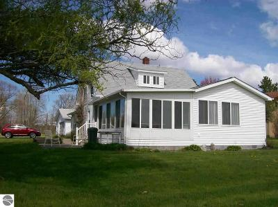 Ogemaw County Single Family Home For Sale: 4920 Henderson Lake Road