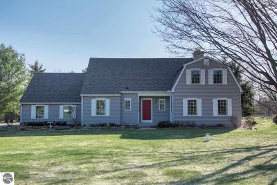 Leelanau County Single Family Home For Sale: 7100 S Dunns Farm Road