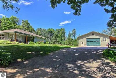 Leelanau County Single Family Home For Sale: 10401 E Carter Road
