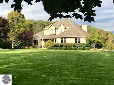 Traverse City Single Family Home For Sale: 124 Spring Hill Road