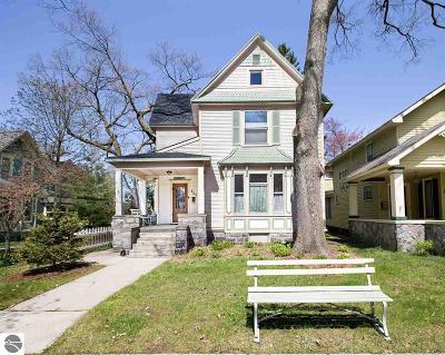 Traverse City Single Family Home For Sale: 529 Washington Street