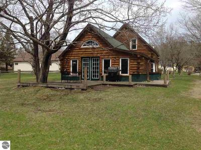 Mackinac County Single Family Home For Sale: 811 W Lant Road