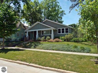 Traverse City Single Family Home For Sale: 219 N Madison Street