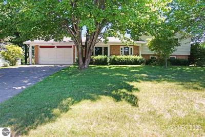 Traverse City Single Family Home For Sale: 3926 Sandia Place