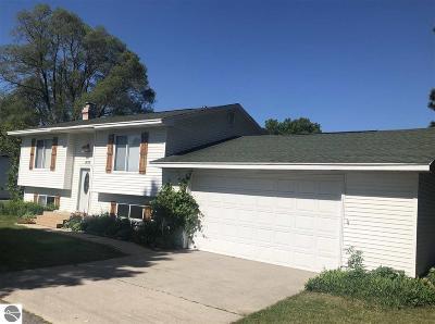 Traverse City Single Family Home New: 1327 Keystone