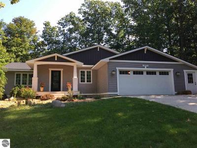 Traverse City Single Family Home New: 2972 English Woods Drive