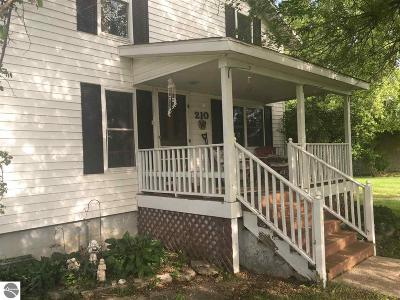Prescott Single Family Home For Sale: 210 Washington Street