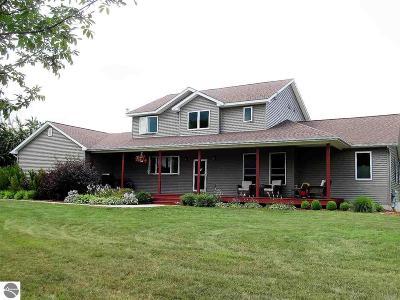 Leelanau County Single Family Home For Sale: 6506 E Hillside Drive