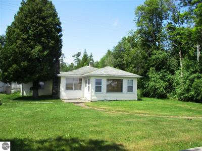 East Tawas MI Single Family Home For Sale: $155,000