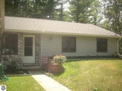 West Branch Single Family Home For Sale: 986 Rifle Lake Trail