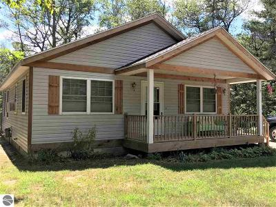 West Branch Single Family Home For Sale: 1976 S Ogemaw Trail