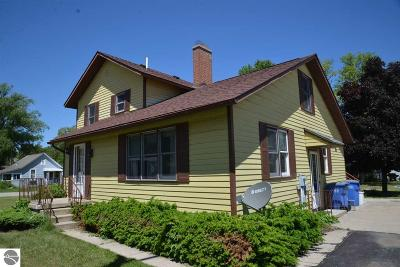 Elk Rapids Single Family Home For Sale: 114 W Second Street