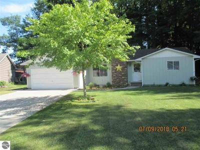 Tawas City MI Single Family Home For Sale: $119,900