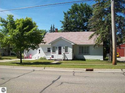 East Tawas MI Single Family Home For Sale: $69,900