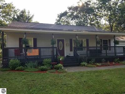 Oscoda Single Family Home For Sale: 7331 Pine Ridge Trail