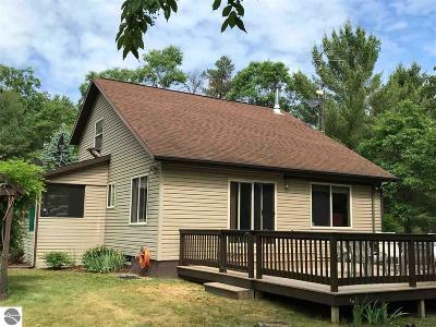 West Branch Single Family Home For Sale: 1223 Waters Edge