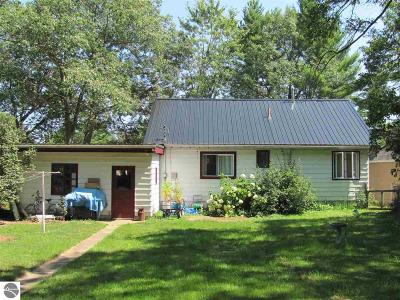 East Tawas MI Single Family Home For Sale: $66,900