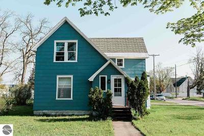 Traverse City Single Family Home Back On Market: 302 W Fifteenth